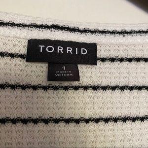 torrid Tops - Torrid Size 1 BLACK & WHITE STRIPE WAFFLE KNIT